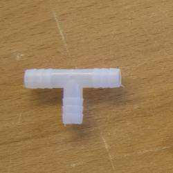 Тройник разветвитель для систем поения 8 мм